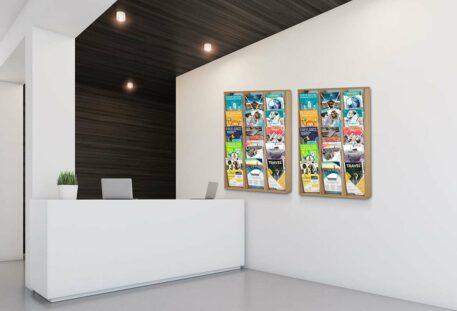 Wandprospekthalter Holz A4 BRANCH - Beispiel
