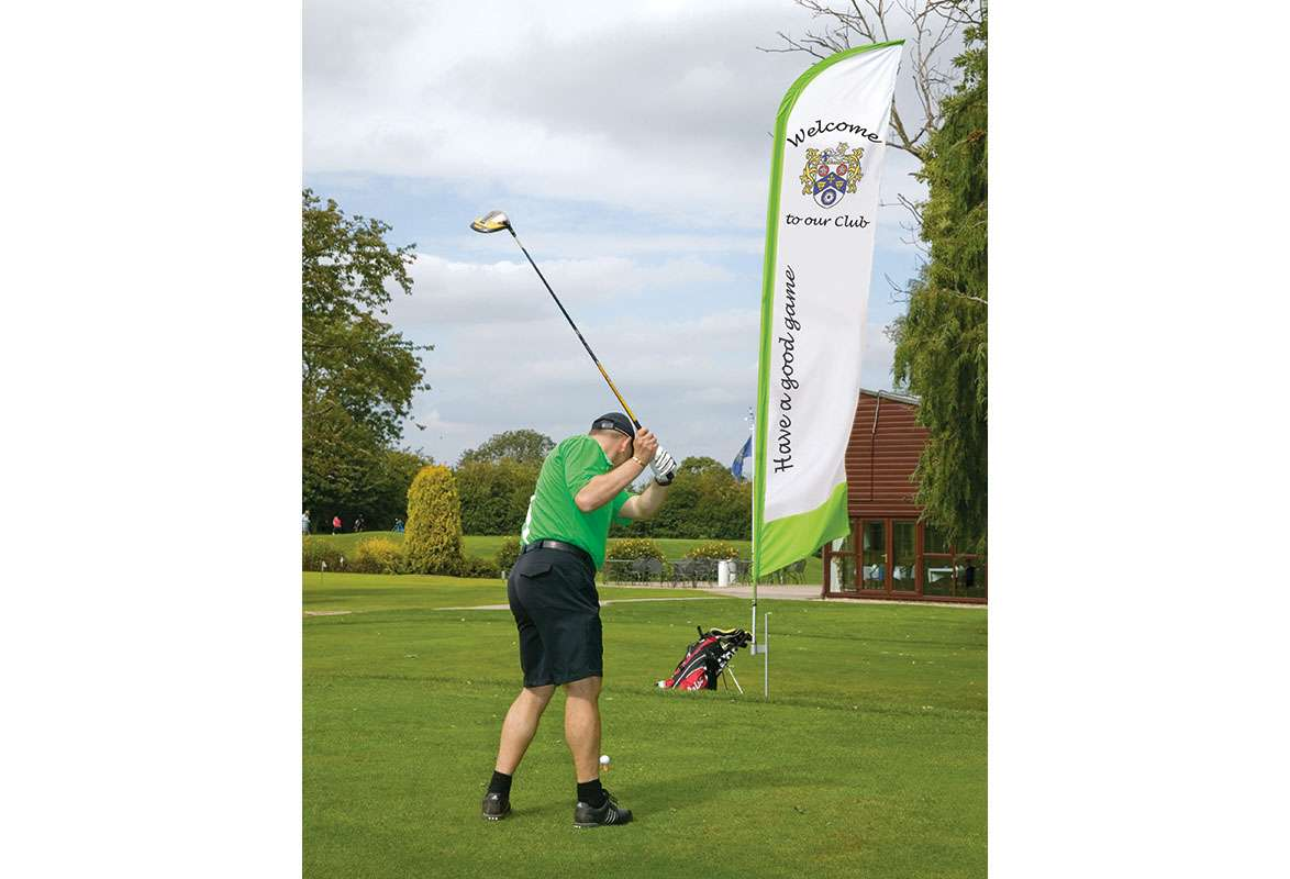 Werbefahne FEATHER – Golfplatz